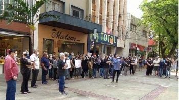 FUNCIONÁRIOS APOSENTADOS DO BANCO DO BRASIL PROTESTAM CONTRA A ALTA EM CUSTOS DE PLANO DE SAÚDE