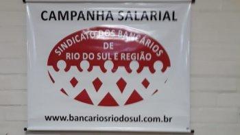 EM ASSEMBLEIA, BANCÁRIOS DE RIO DO SUL E REGIÃO APROVAM PROPOSTAS DOS BANCOS