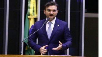 PRESSIONADO, SABINO RECUA E MANTÉM INCENTIVOS AO VALE-ALIMENTAÇÃO NA REFORMA