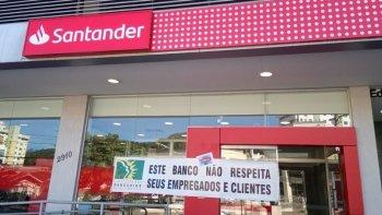 POR CAUSA DE MÍSEROS R$290, SANTANDER DE BLUMENAU RESISTE EM DESINFECTAR AGÊNCIA