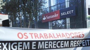 BANCÁRIOS DO SANTANDER QUE NÃO ADERIRAM A MOVIMENTO GREVISTA NÃO CONSEGUEM GARANTIA DE EMPREGO NA JUSTIÇA.